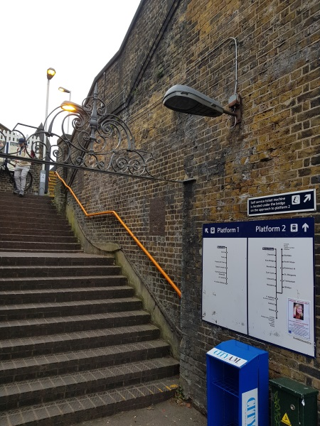 Barnes Bridge station